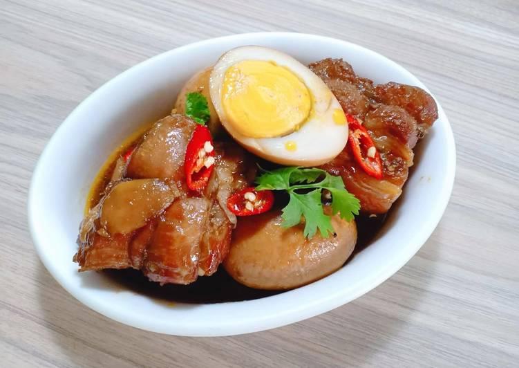 Thịt Kho Nước Dừa.