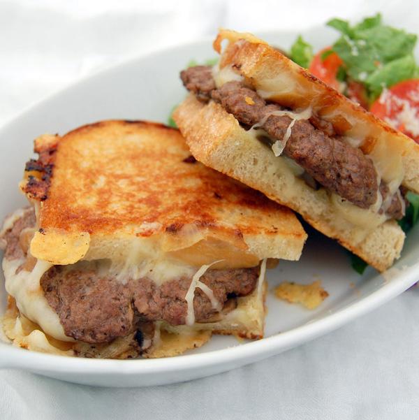 Bánh Sandwich Thịt Băm Ngon, đơn Giản