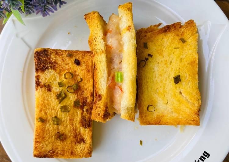 Bánh Mì Sandwich Kẹp Tôm Nướng