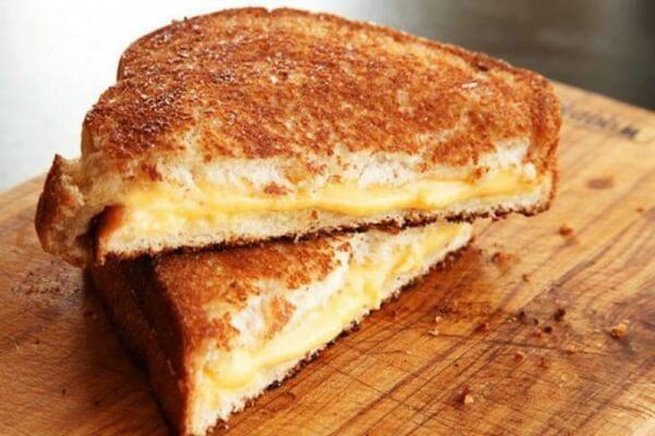 Bánh Mì Sandwich Phô Mai áp Chảo