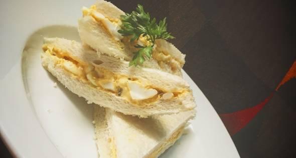 Bánh Mì Sandwich Trứng Luộc