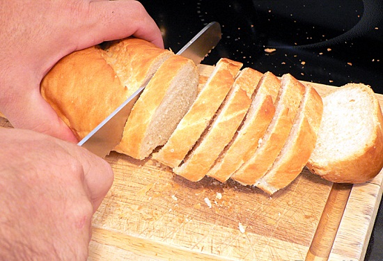 Cách Cắt Lát Bánh Mì