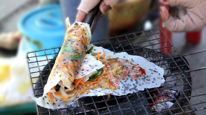 Cách Làm Bánh Tráng Mắm Ruốc Thơm Ngon Hấp Dẫn Ngay Tại Nhà