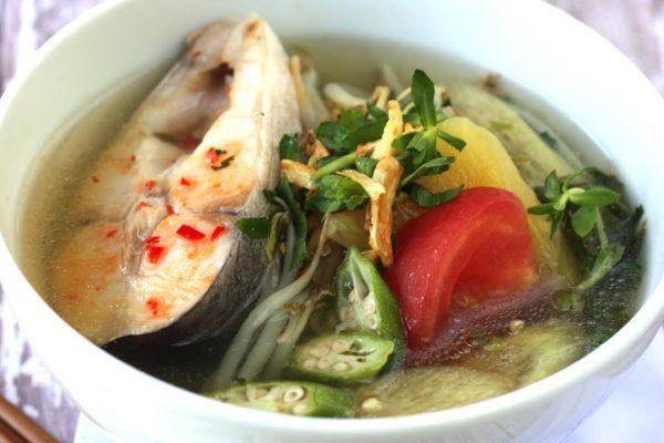 Cách Nấu Canh Chua Cá Hú Ngon Tròn Vị Miền Tây