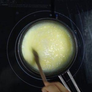 Cho Trứng Vào Cháo Khuấy đều
