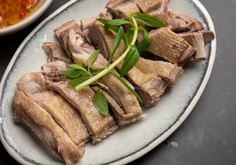 Xếp Thịt Vịt Ra đĩa