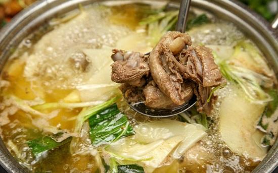 Vịt Nấu Măng Chua